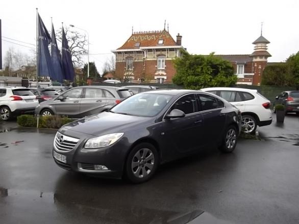 Opel INSIGNIA d'occasion (11/2012) disponible à Villeneuve d'Ascq