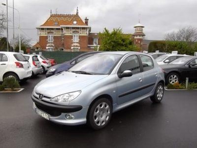Peugeot 206 d'occasion (01/2005) en vente à Villeneuve d'Ascq