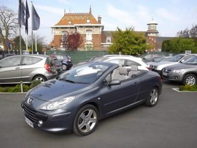 Peugeot 307 CC d'occasion (01/2006) disponible à Villeneuve d'Ascq