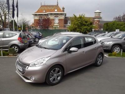 Peugeot 208 d'occasion (03/2012) en vente à Villeneuve d'Ascq