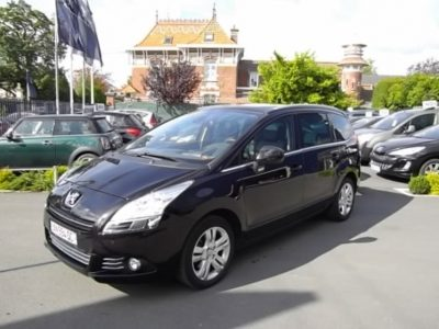 Peugeot 5008 d'occasion (03/2010) disponible à Villeneuve d'Ascq