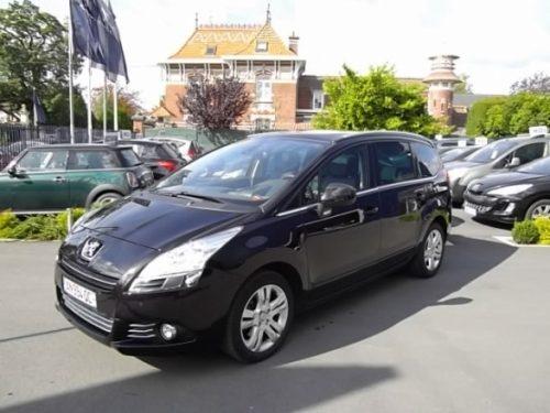 Peugeot 5008 d'occasion (03/2010) disponible à Villeneuve d'Ascq