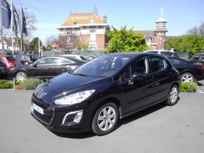 Peugeot 308 d'occasion (12/2011) disponible à Villeneuve d'Ascq