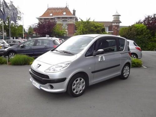 Peugeot 1007 d'occasion (10/2007) disponible à Villeneuve d'Ascq