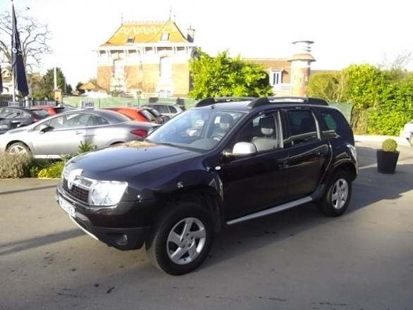 Dacia DUSTER d'occasion (04/2011) en vente à Croix