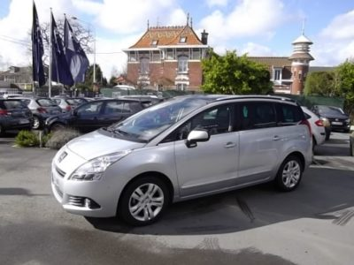 Peugeot 5008 d'occasion (03/2011) disponible à Villeneuve d'Ascq