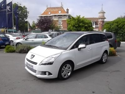Peugeot 5008 d'occasion (03/2012) disponible à Villeneuve d'Ascq