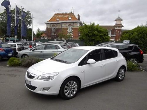 Opel ASTRA d'occasion (09/2010) en vente à Croix