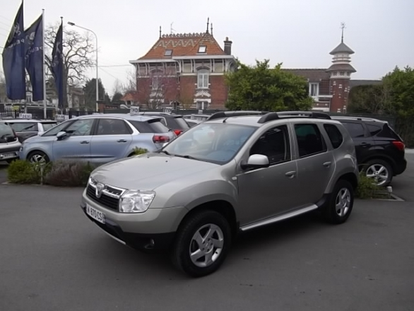 Dacia DUSTER d'occasion (02/2011) en vente à Villeneuve d'Ascq