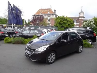 Peugeot 208 d'occasion (09/2012) disponible à Villeneuve d'Ascq