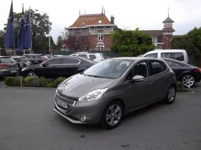 Peugeot 208 d'occasion (09/2012) en vente à Villeneuve d'Ascq