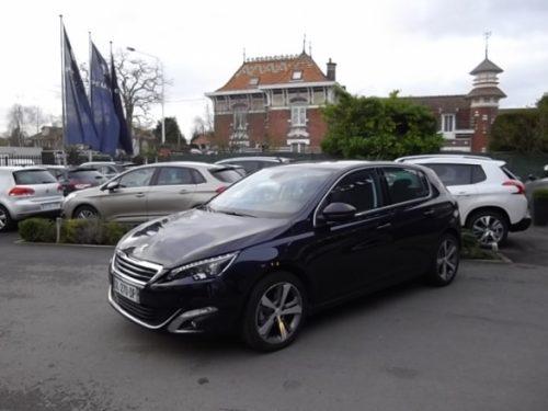 Peugeot 308 d'occasion (10/2014) disponible à Villeneuve d'Ascq