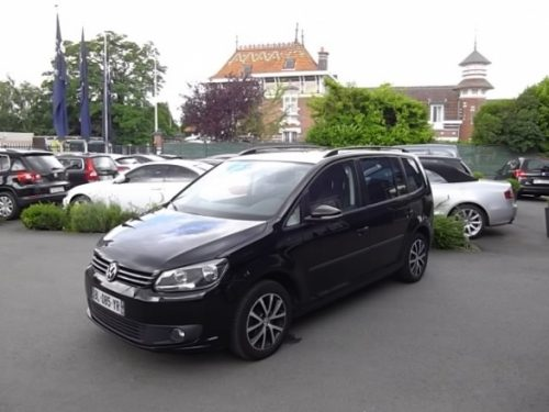 Volkswagen TOURAN d'occasion (04/2011) disponible à Villeneuve d'Ascq