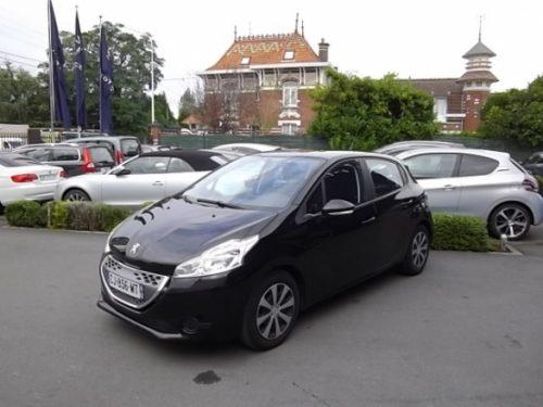 Peugeot 208 d'occasion (08/2012) disponible à Villeneuve d'Ascq