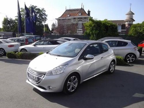Peugeot 208 d'occasion (07/2012) disponible à Villeneuve d'Ascq