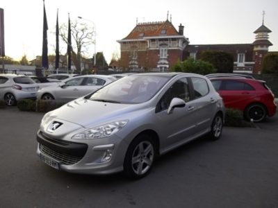 Peugeot 308 d'occasion (10/2010) disponible à Villeneuve d'Ascq