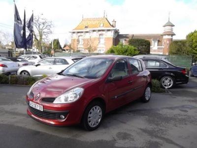Renault CLIO III d'occasion (01/2007) en vente à Croix